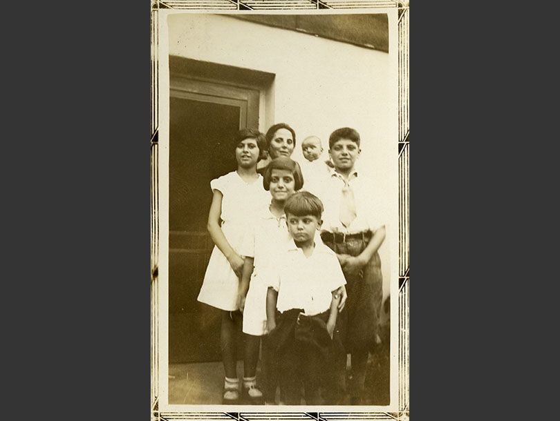 Italian-American family, mother with five children.