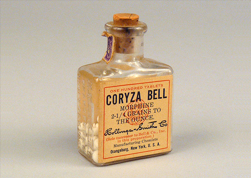 Photograph of a bottle containing morphine.