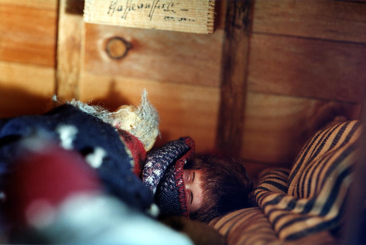Amanda Knox Photos Crime Scene Visible Proofs: Forens...