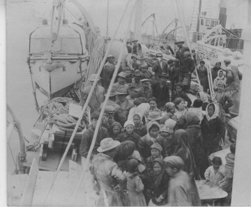 Refugees evacuated from Kodiak following the Katmai/Novarupta volcanic eruption