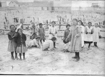 Children making ash pies